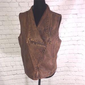 Lisa International vest